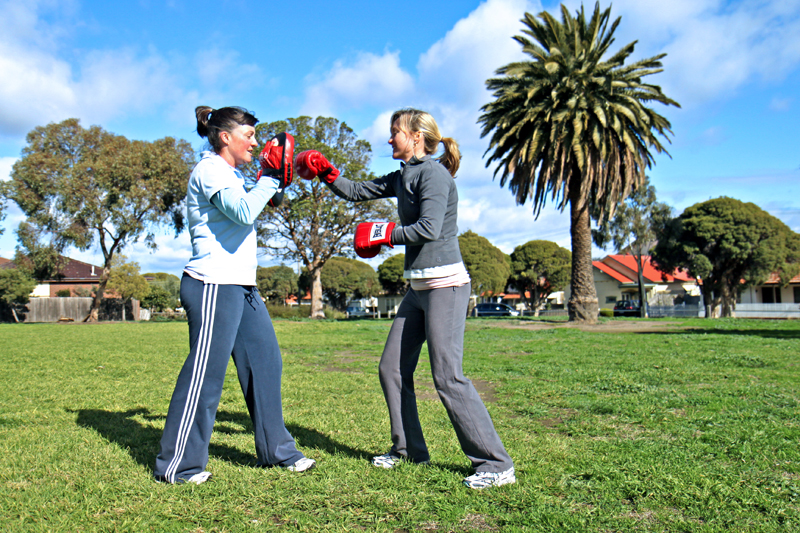 personal trainer outdoor boxing